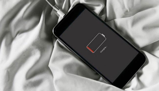 مشکل کاهش سرعت شارژ باتری گوشی و روشهای مقابله با آن